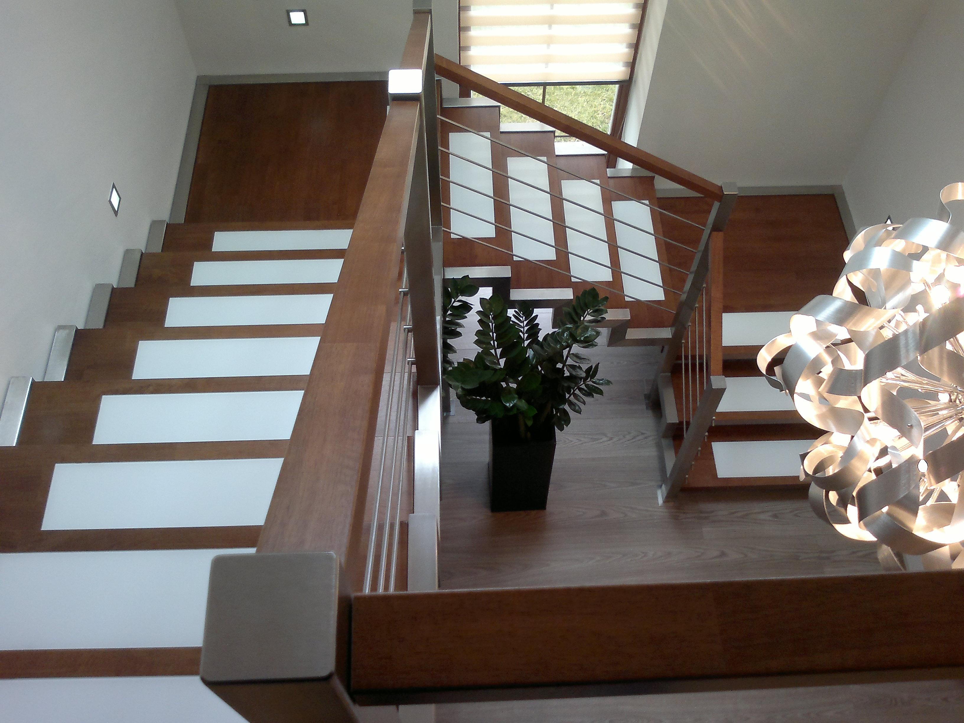 Truhlářství, truhlářská zakázková výroba nábytku na klíč, realizace, nábytek do interiéru