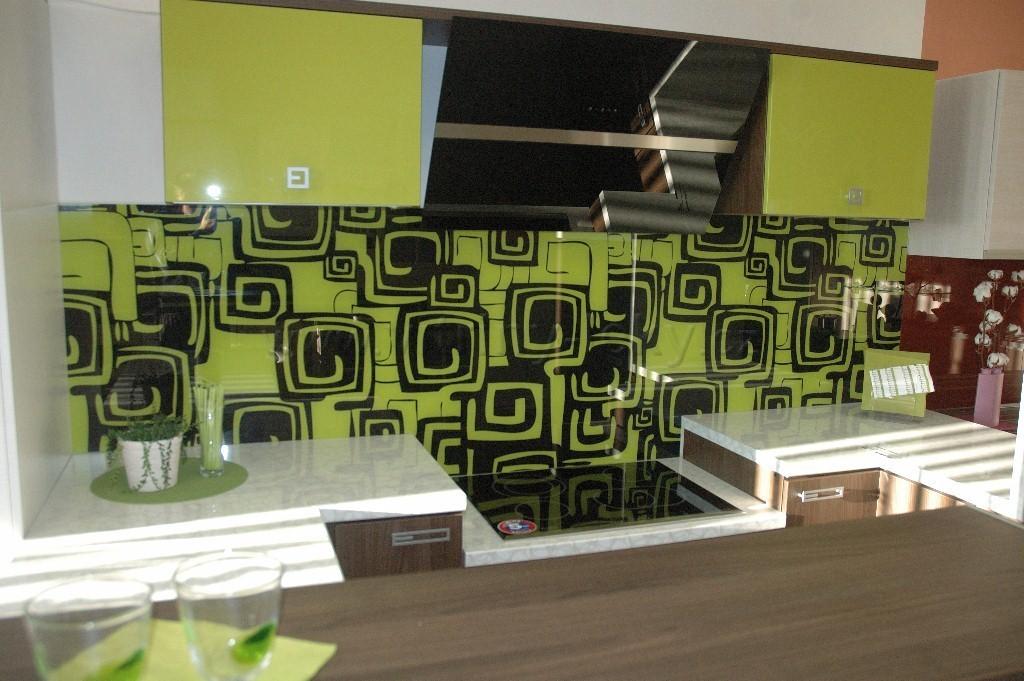 Skleněné obklady kuchyňských linek | Nymburk