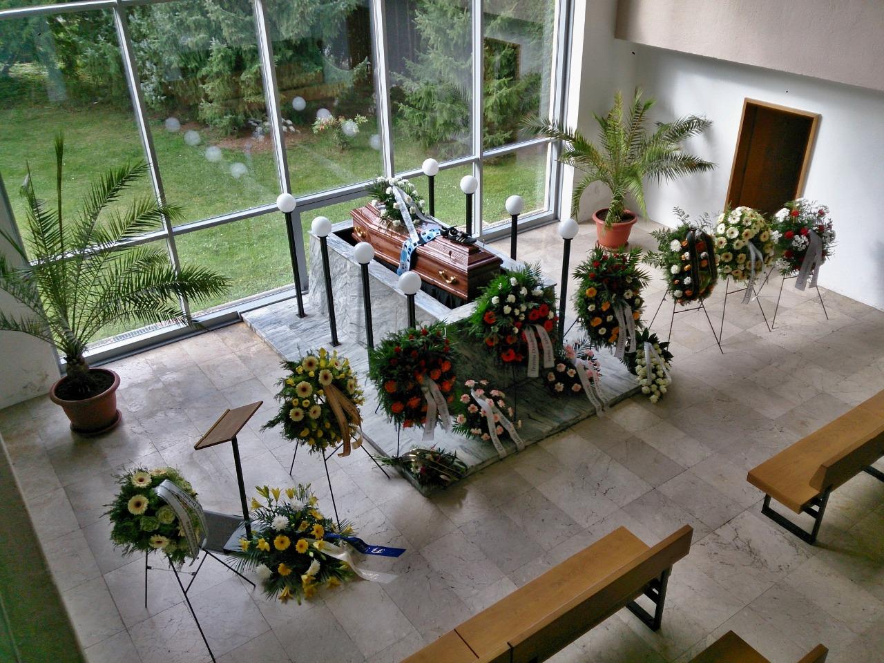 Kremační obřad s rozloučením, bez rozloučení, pohřeb | Hradec Králové