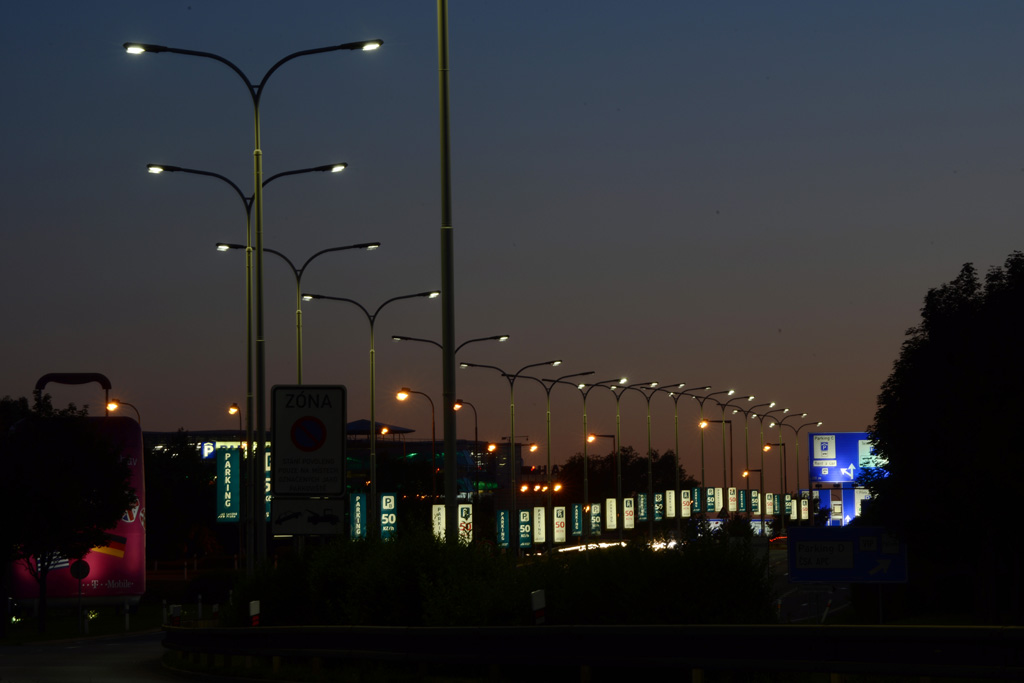 Úsporné a bezpečné osvětlení - komplexní péče o systémy venkovního a vnitřního osvětlení