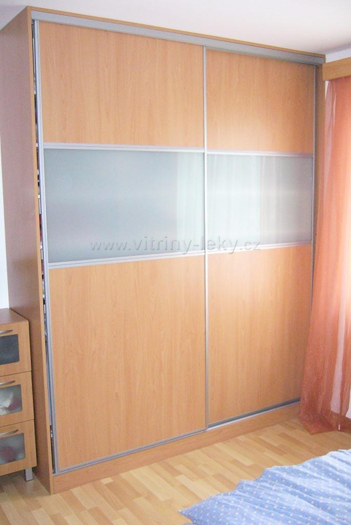 Výroba vestavěná skříň na míru s ocelovým kováním   Nymburk