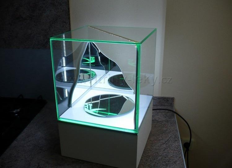 skleněné vitríny na míru