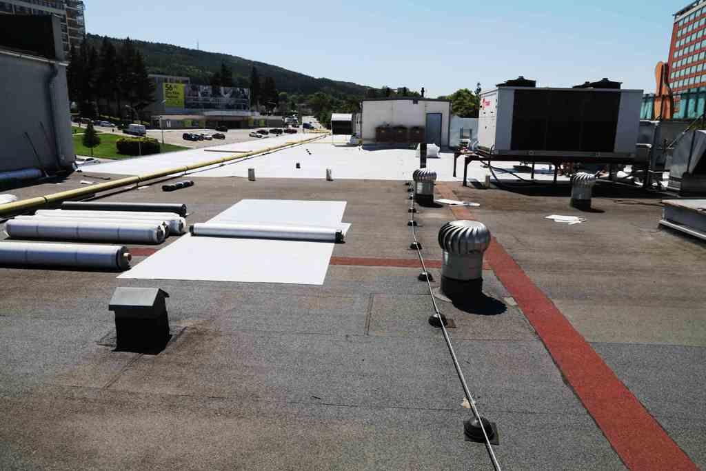 Izolace střech, teras, balkónů, základů - kvalitní izolační práce