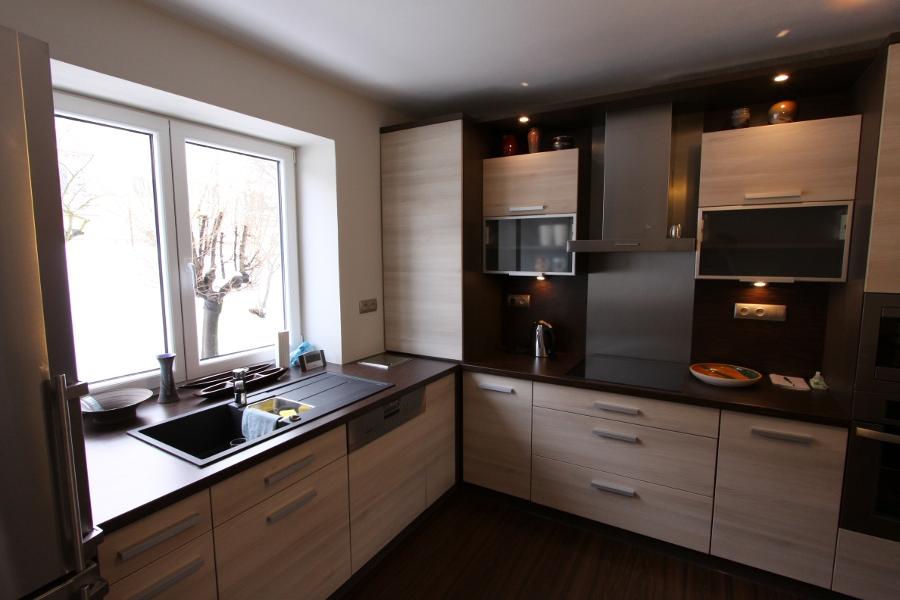 Kuchyňské linky na míru, rohové, do paneláku-3D návrhy, výroba
