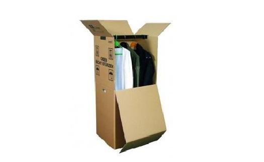 Papírové šatní boxy pro snazší stěhování oblečení - moderní a praktické řešení