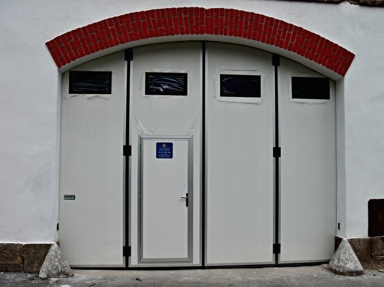 Nabízíme průmyslová vrata pro různé objekty