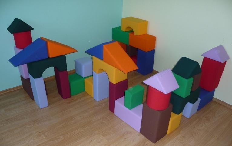 Molitanové stavebnice od výrobce do dětských koutků i škol