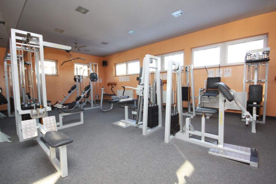 Sportovní centrum Rožnov - posilovna, bowling, diskotéka, restaurace