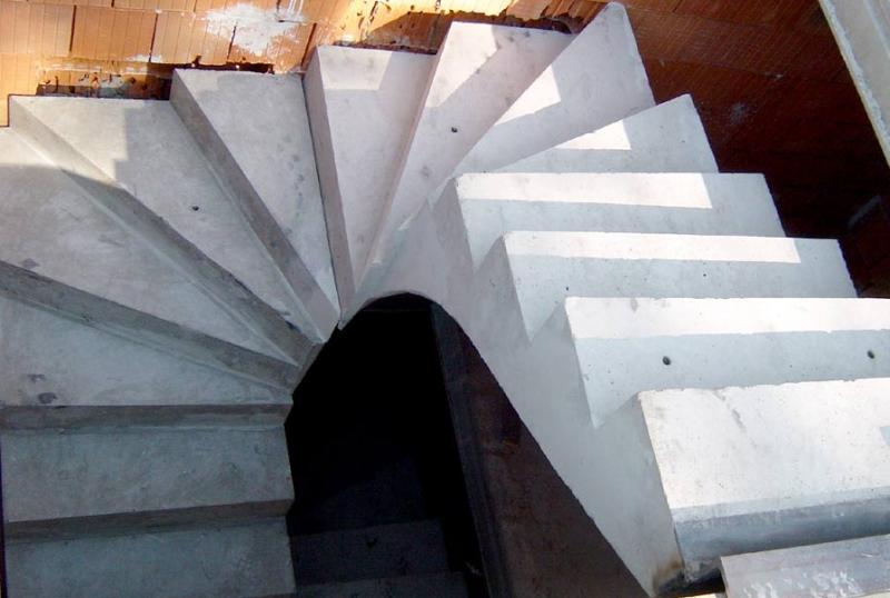 Výroba betonových prefabrikovaných schodišť | Hradec Králové