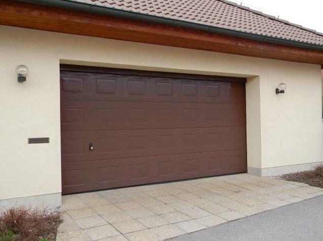garážová vrata s pohonem