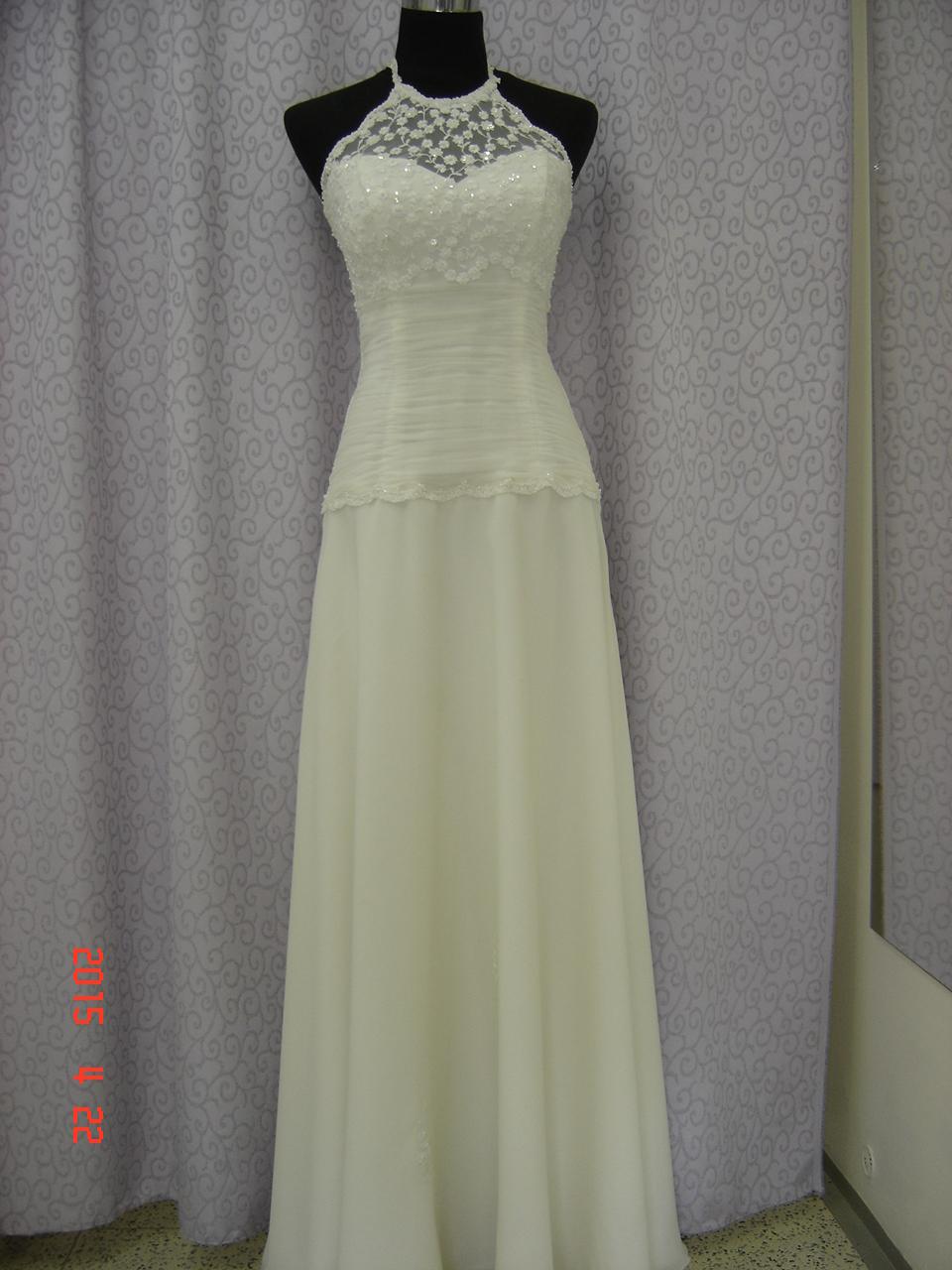fab632bb9151 Výprodej svatebních a společenských šatů Olomouc