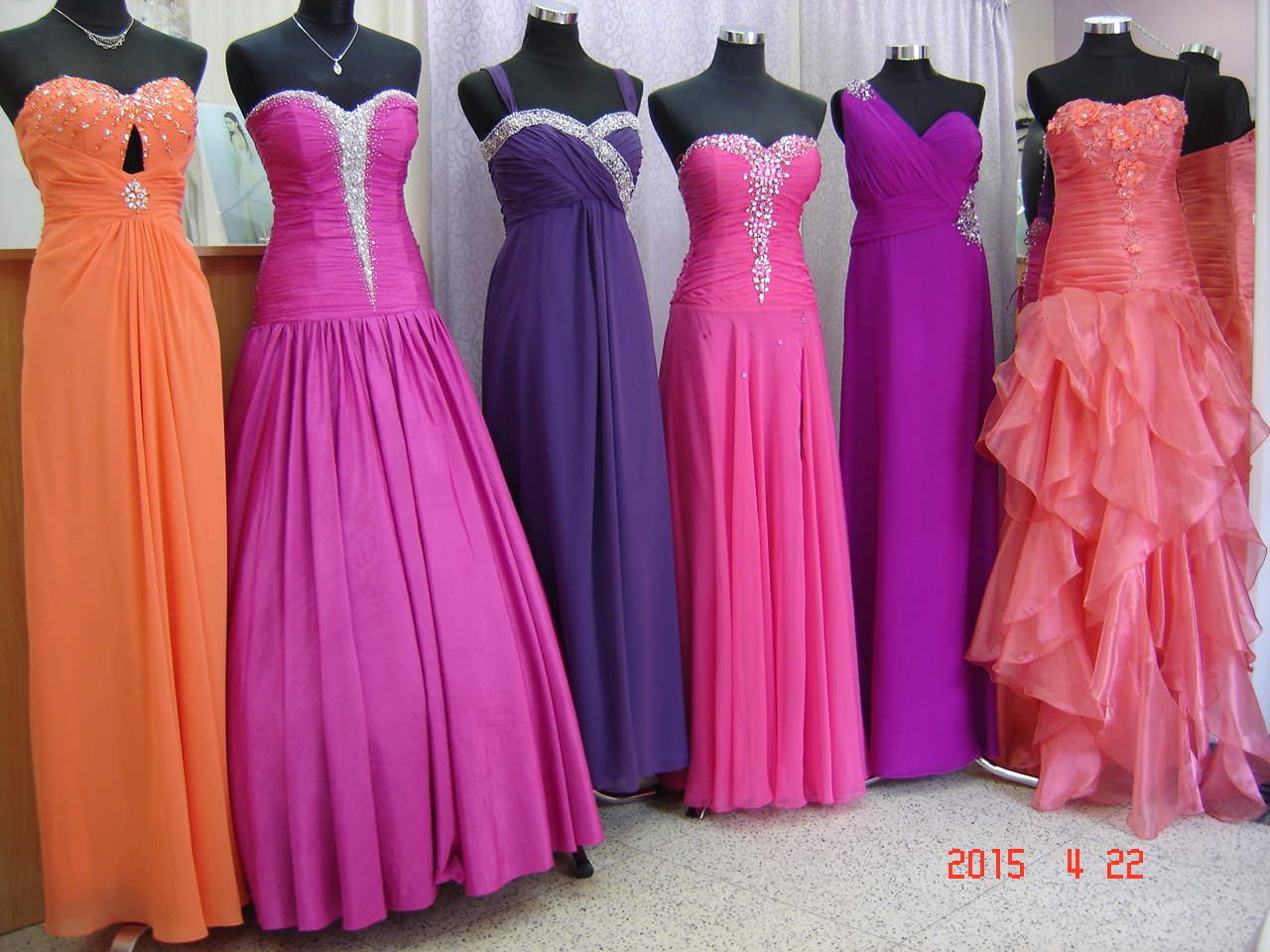 Výprodej společenských šatů Olomouc, Litovel