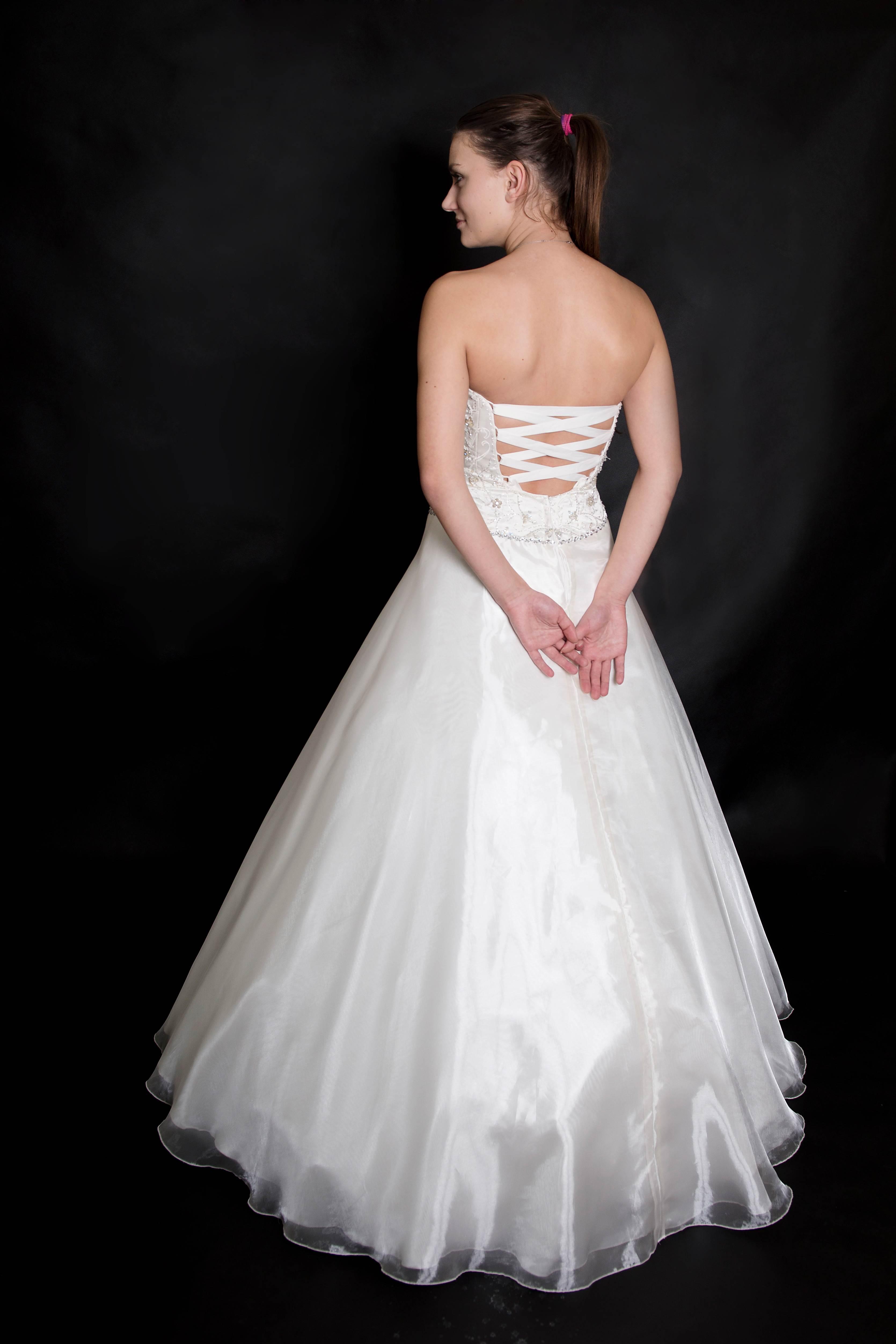 půjčovna svatebních šatů Olomouc