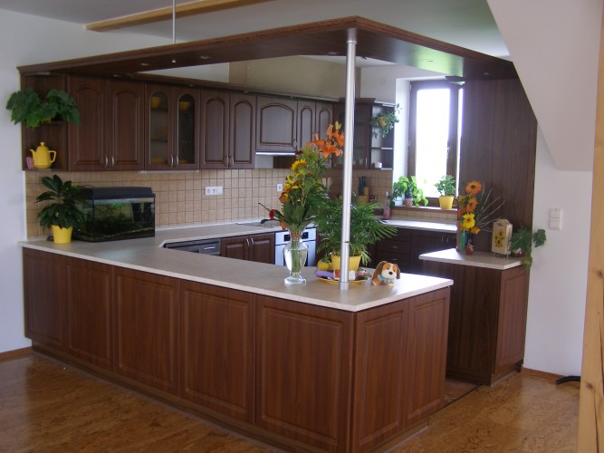 Zakázková výroba kuchyní a vestavěných skříní