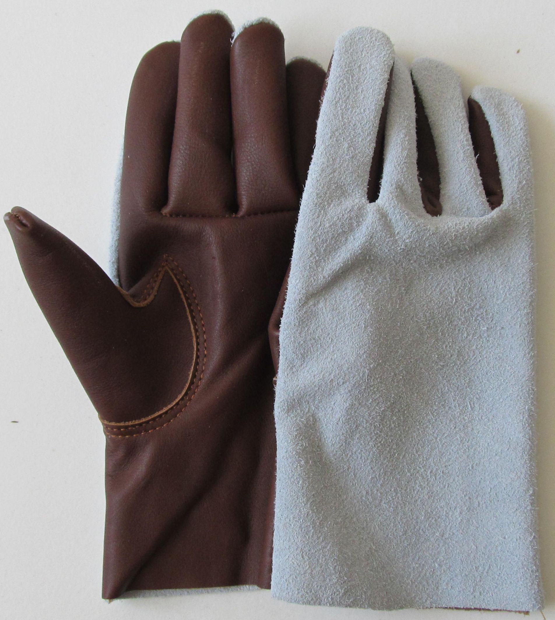 86f37337f98 dámské celokožené rukavice Zlín
