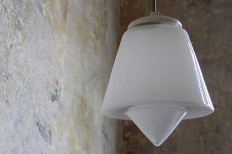 Retro lustry Praha – originální designová stropní svítidla do interiéru