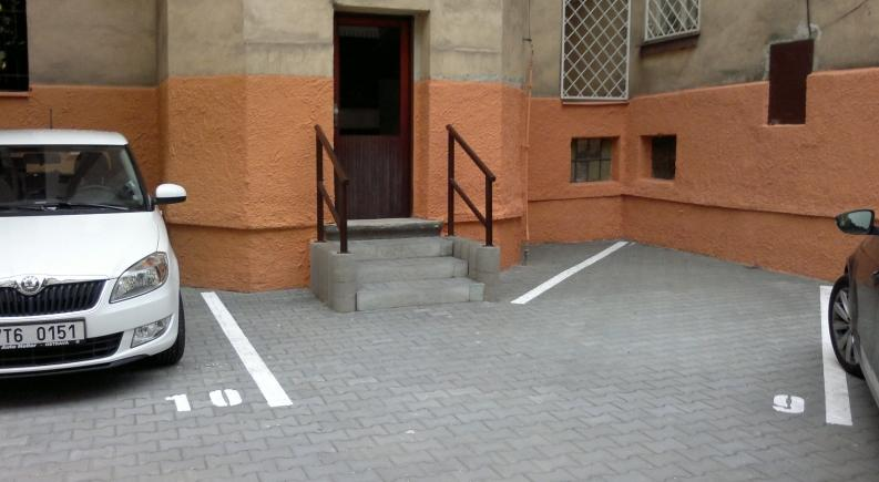 Zpevněné plochy, pokládka zámkové dlažby, chodníku - profesionální provedení