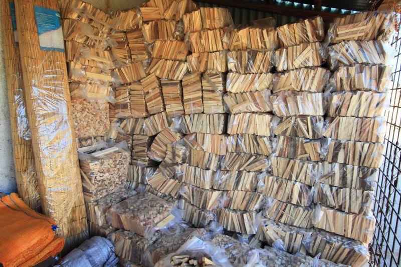 Dřevo do krbu Znojmo