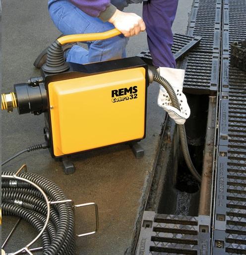 Monitoring kanalizace a odpadů strojem Cobra