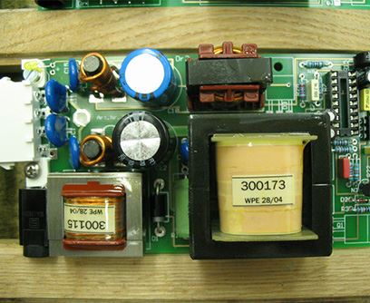 Osazování plošných spojů do elektronických přístrojů