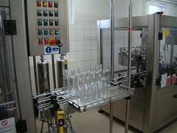 Plničky lahví, plnící linka na víno na pivo, stroje na láhve.