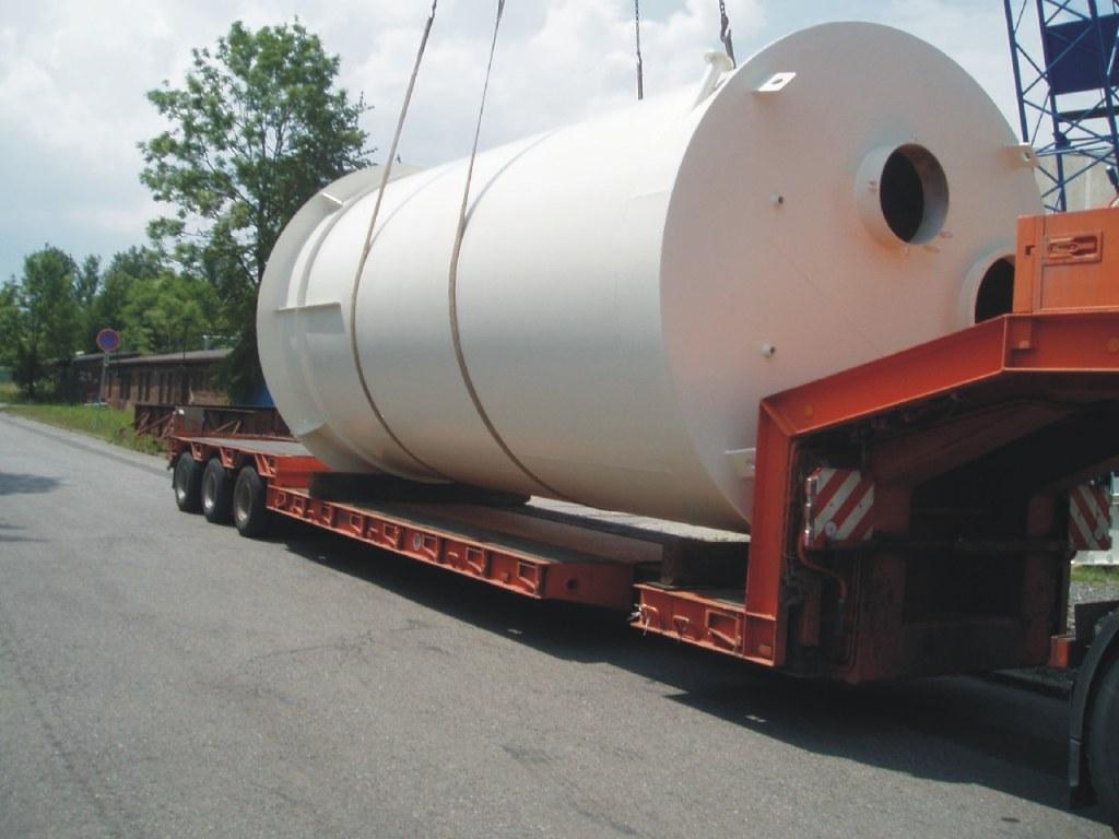 Nádrže a zásobníky pro skladování sypkých i kapalných materiálů