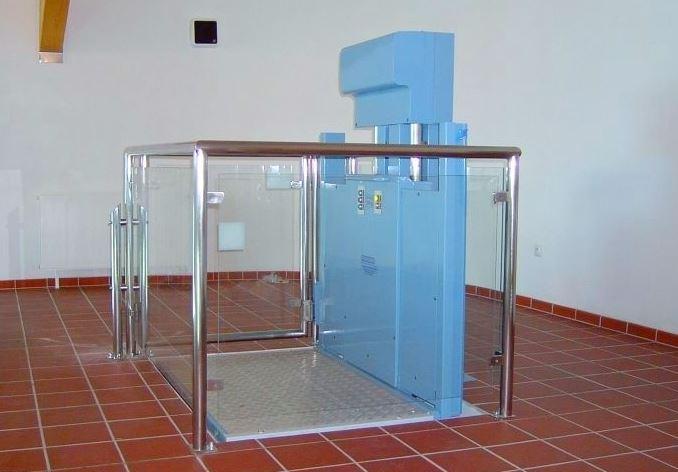 Plošiny pro vozíčkáře - vertikální plošina