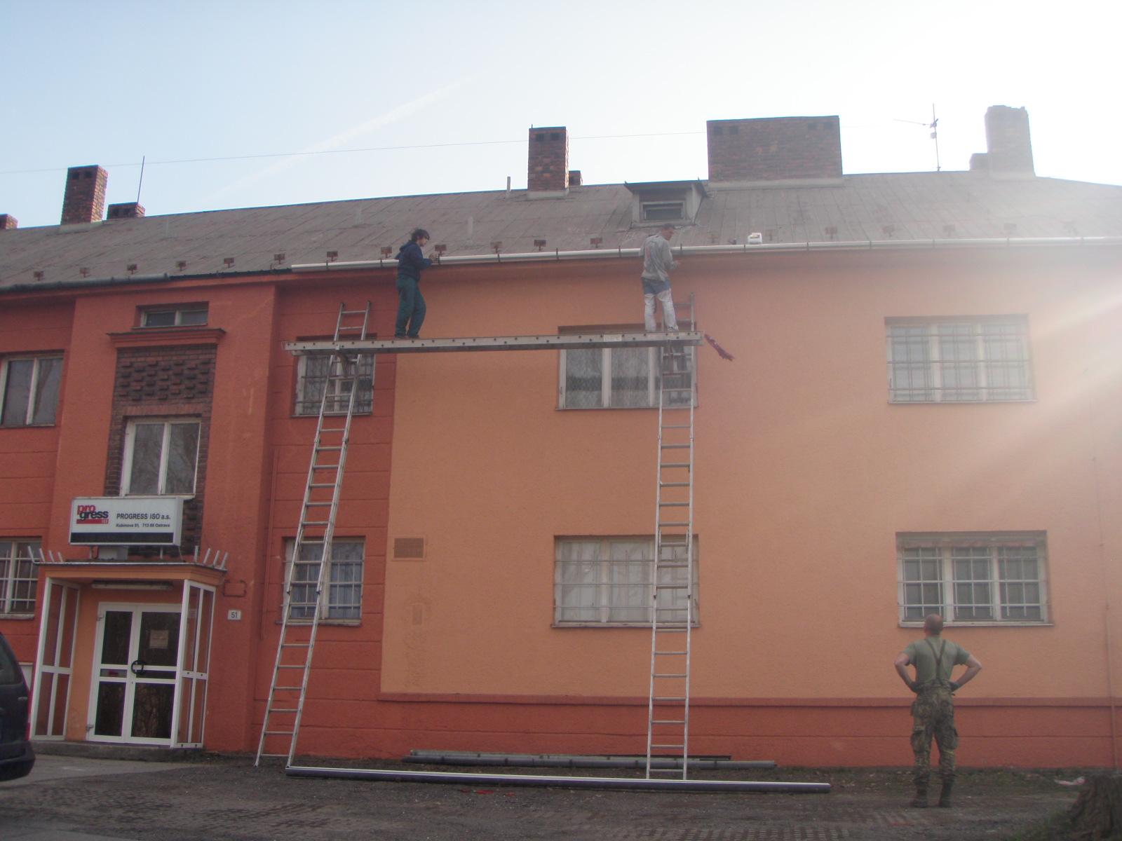 Montáže oplechování vikýřů, oken, komínu, stěn, římsy-klempířství