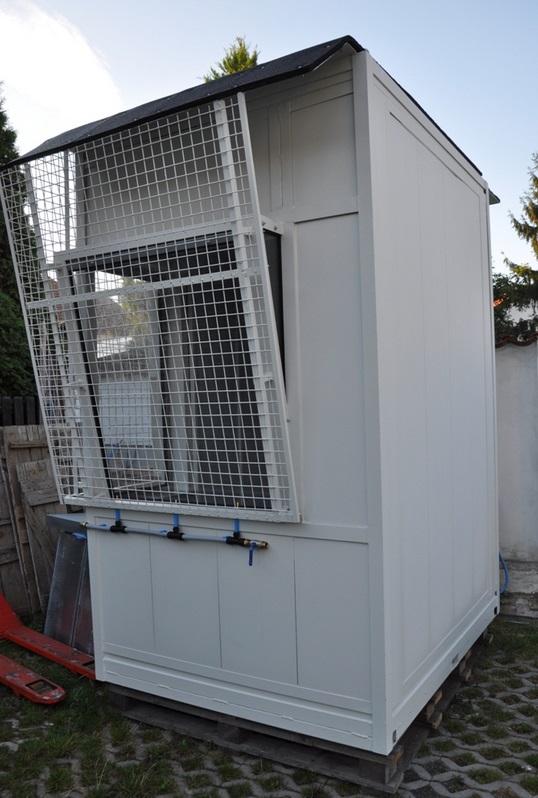 Protihlukové kabíny a odhlučňovacie zásteny znižujú hluk v halách, Praha