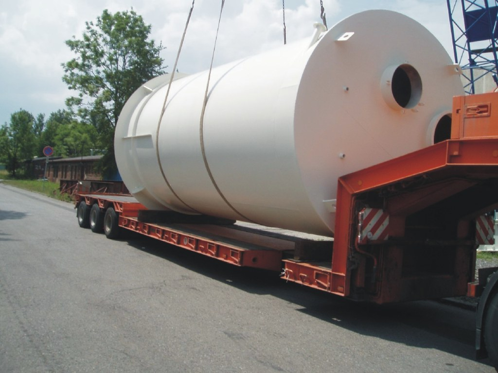 Tanks and containers for the storage of loose and liquid materials, the Czech Republic