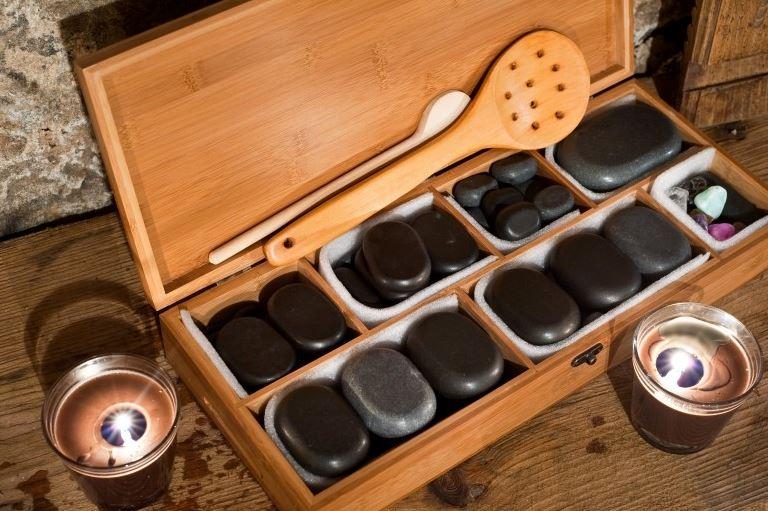 Wellness pro páry - masáž lávovými kameny