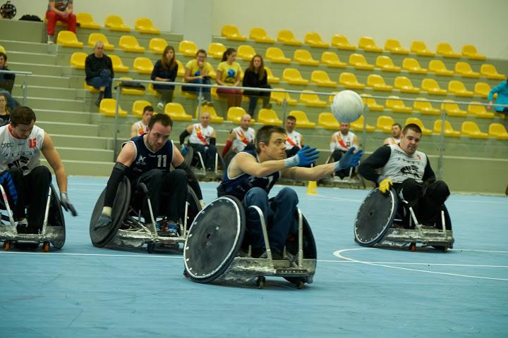 Mobilní sportovní povrch pro haly i venkovní hřiště - Sport Court i pro použití na zimních stadionech