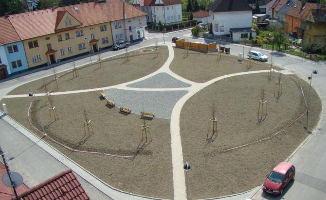 Výstavba komunikací od firmy Nosta - rekonstukce náměstí
