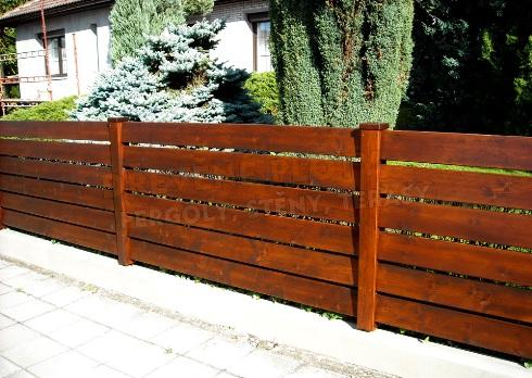 Dřevěné ploty - oprava a renovace, výměna plotovek - Hradec Králové