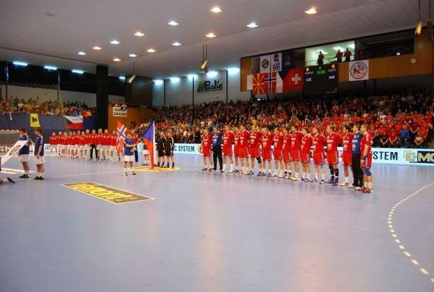 Skvělá atmosféra při utkání - sportovní hala Datart