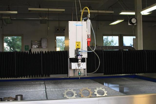 Řezání materiálu vodním paprskem Opava