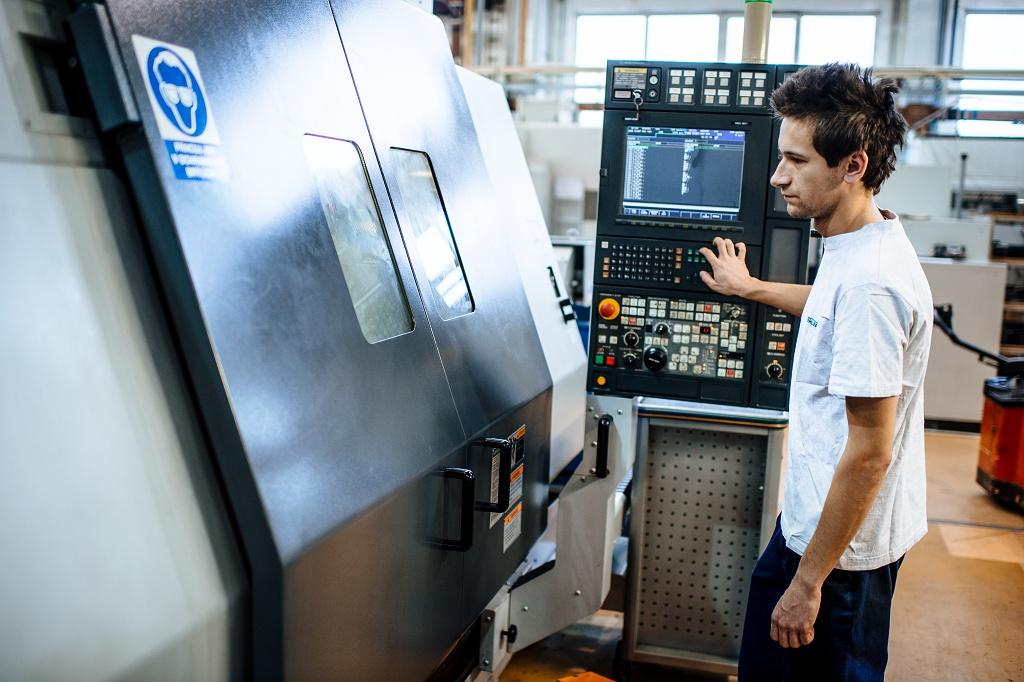 Prováděné práce na CNC strojích