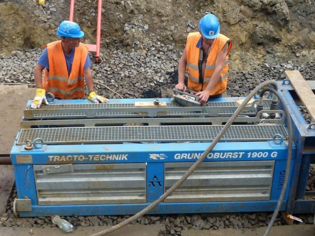 Umbau der Rohrleitung durch aufbruchfreie Technologien, Durchdrücken, die Tschechische Republik