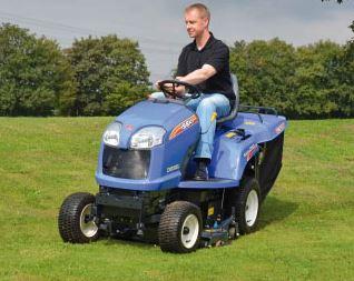Profesionální traktorové sekačky Iseki, s nástavci pro letní i zimní použití