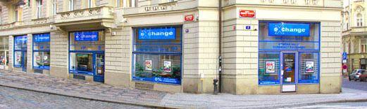 S výměnou peněz mnoha měn se můžete obrátit na směnárnu v centru Prahy.