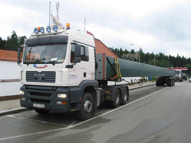 Doprava nadměrných nákladů a břemen zajišťuje firma B+V trans, s.r.o.