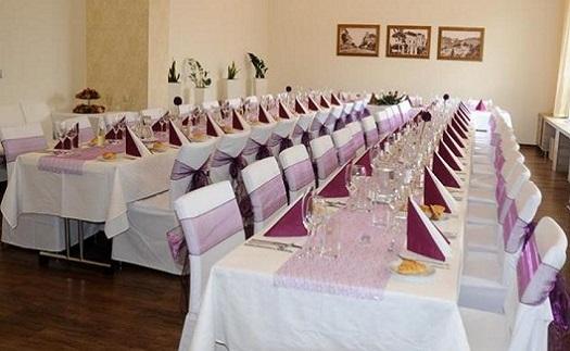 Salónek pro konání akcí, školení a konferencí v Restauraci Vesna