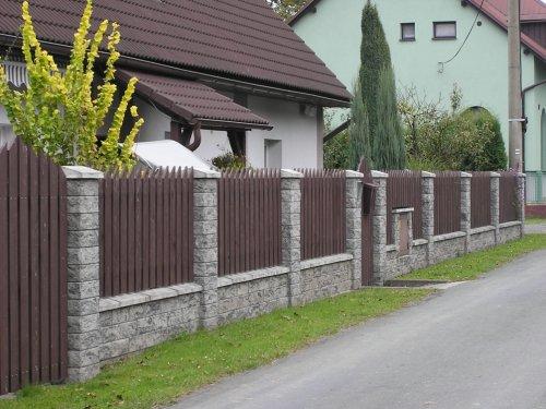 Ploty a plotové systémy z umělého kamene a betonu