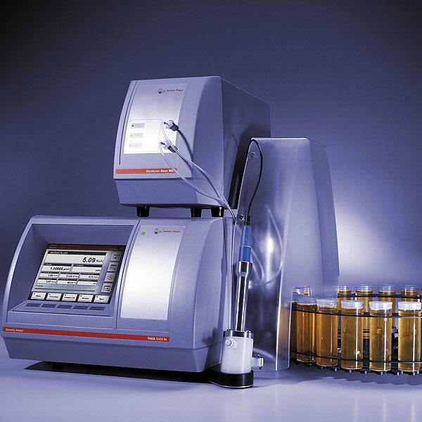 Analyzátory alkoholických i nealkoholických nápojů pro nápojový průmysl