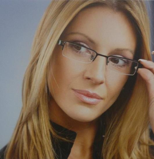 Správný výběr brýlí Vám usnadní oční optika-vhodné obruby podle typu obličeje