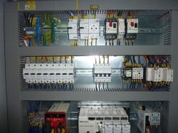 Výroba kabelů, jističů, chráničů, pojistek, relé