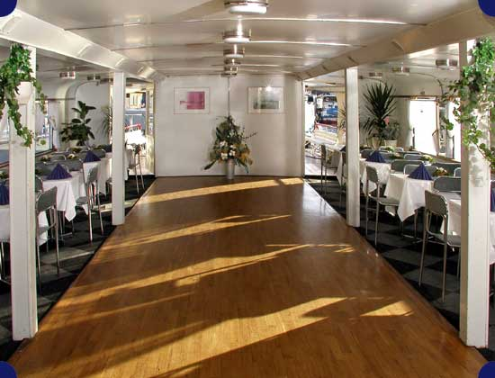 Pronájem lodě pro firemní párty, akce, večírky
