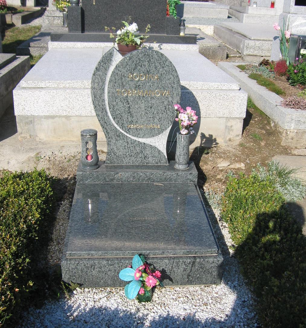 Zakázková výroba náhrobků, pomníků a ornamentů z mramoru a žuly