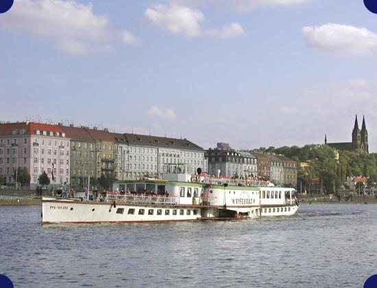 Plavby Prahou po Vltavě