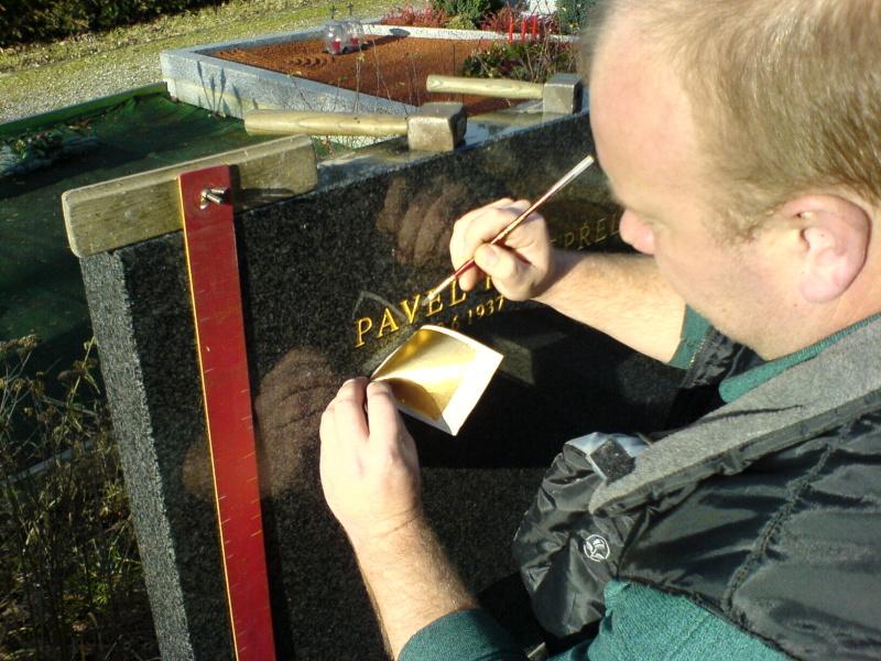 Kamenictví, opravy pomníků, sekání písma na náhrobky Brno